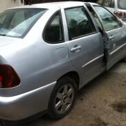 Volkswagen Polo Classic 1.6 año 2002